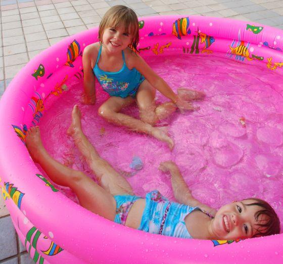 Pooltime fun