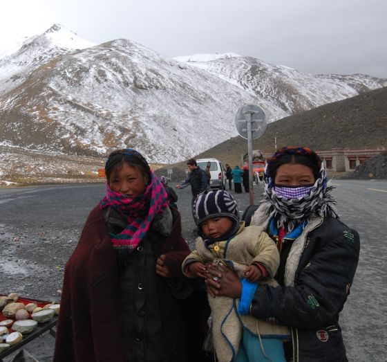 Beautiful ladies living at 4700 metres
